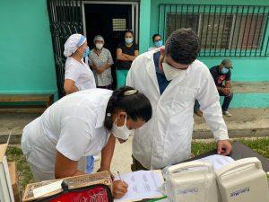 Entrega equipos médicos